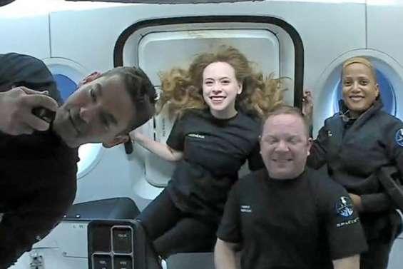 Mission réussie pour les touristes SpaceX