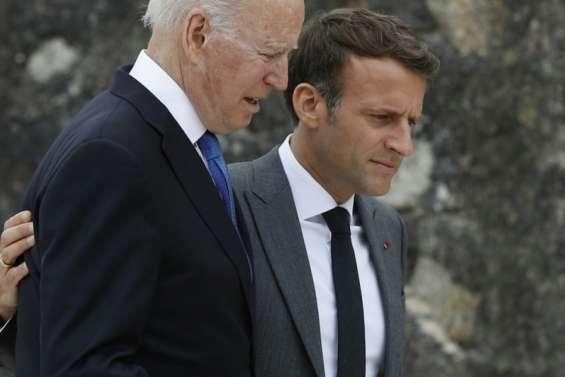 Sous-marins: Macron et Biden tentent un