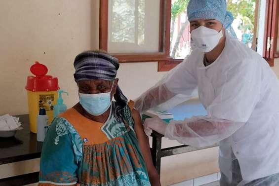 Thio: un vaccinodrome est installé à Grand Borendy