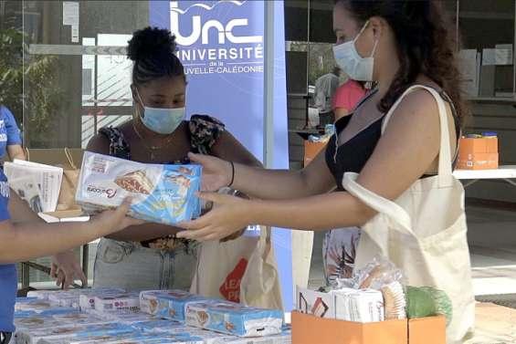 Des colis alimentaires pour les étudiants de l'UNC
