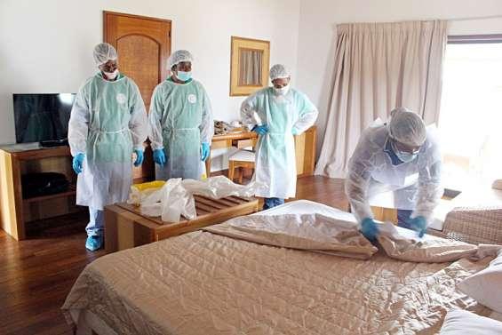A Ouvéa, des mamans apprennent à décontaminer les chambres Covid