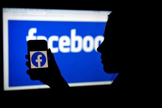 Facebook attribue la panne majeure de ses services à des