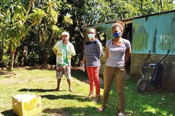 Distribution de denrées alimentaires et de produits d'hygiène à Canala