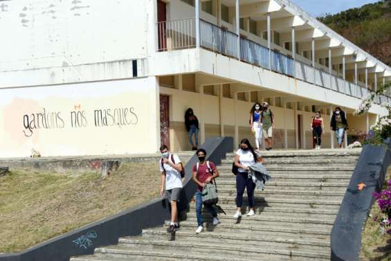 Le lycée Jules-Garnier de Nouméa dément la rumeur des cas positifs