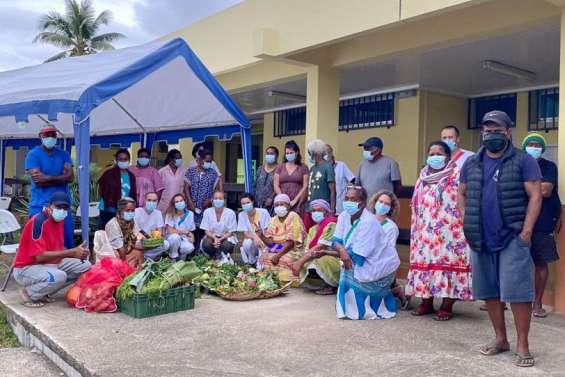 Des dons remis aux personnels du centre médico-social de Canala