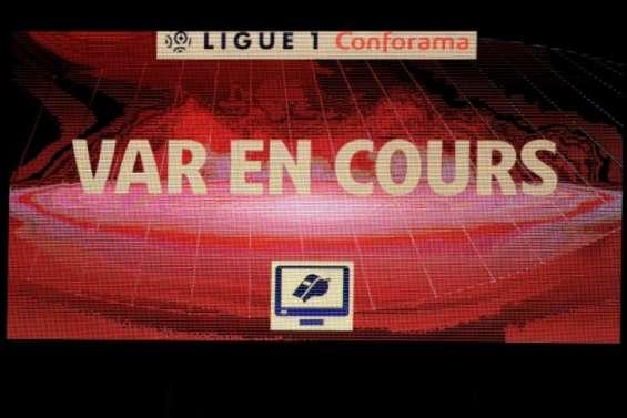 Ligue 1 - Angers relance les polémiques sur la VAR