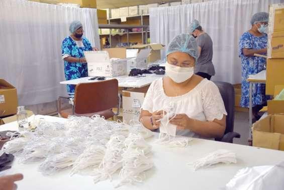 Chez Teeprint, la production de masques se fait dans l'urgence pour la rentrée