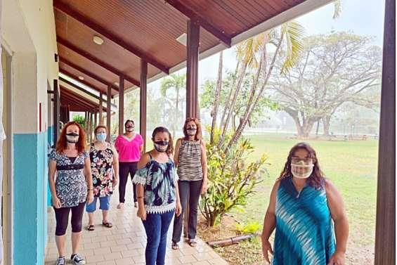 Bourail : des masques inclusifs pour les enseignants