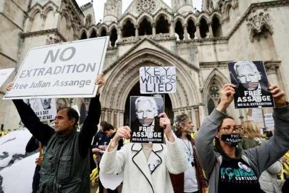 Assange risque de se suicider s'il est extradé, insiste sa défense