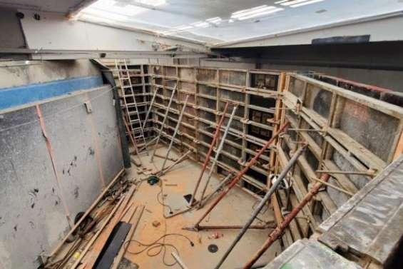 La réhabilitation des bacs de l'aquarium se poursuit avec le coulage des murs