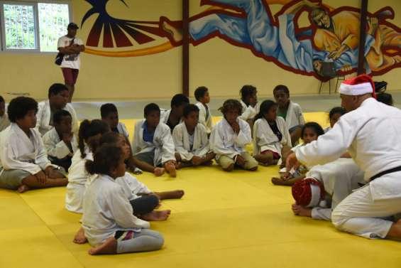 De jeunes Maréens initiés au judo