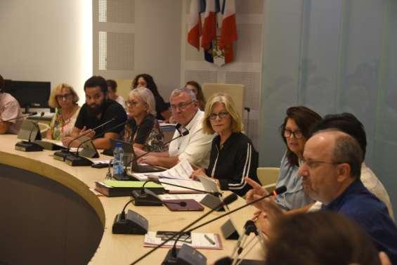 L'annulation des festivités defin d'annéediviseau conseil municipal