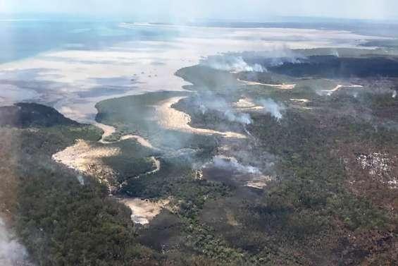 Incendies maîtrisés sur l'île Fraser