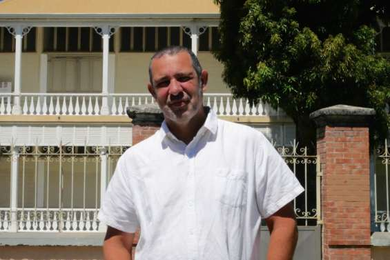 Rugby: Marc Barré reste président du Comité régional