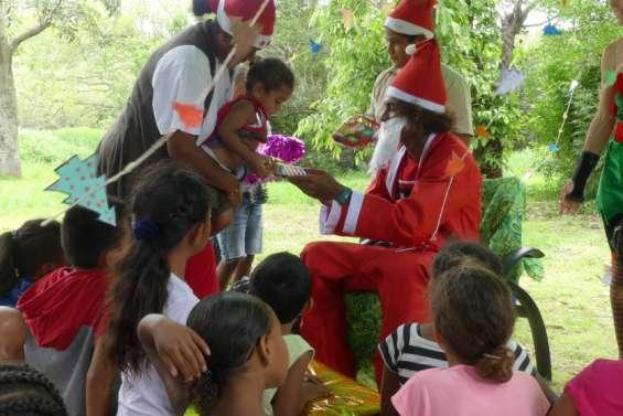 La magie de Noël s'installe au centre Les Manguiers