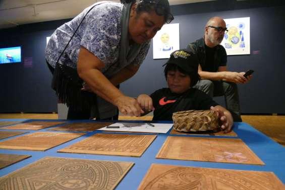 Les artistes rencontrent les archéologues, jusqu'à ce samedi soir au Centre culturel Tjibaou