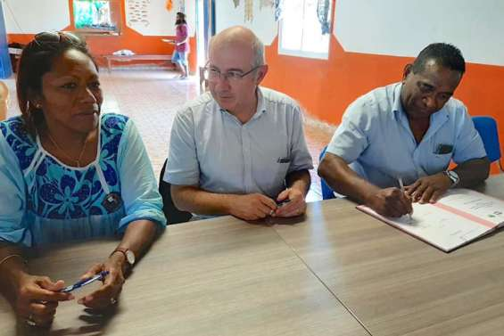 Le haut-commissaire Laurent Prévost  de passage à Ouvéa