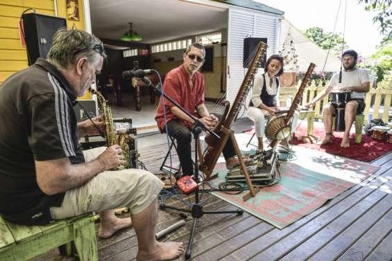 Musique zen et ambiance familiale au repas partage