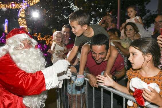 Le passage du père Noëlà Nouméa en images