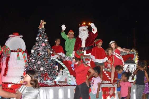 Le père Noël en escaleàBourail