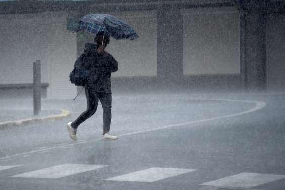 Les orages et les fortes pluies pourraient gâcher le réveillon