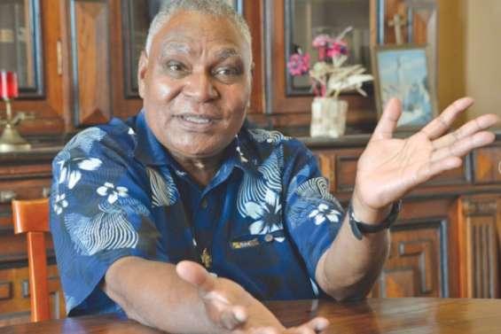 Le père Apikaoua promu chevalier de la Légion d'honneur