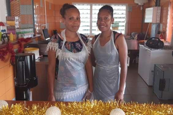 Laïza Kapissiri redonne vie au snack du marché