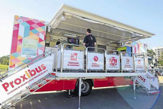 Des permanences d'information à bord du Proxibus