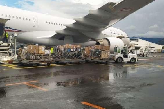 Covid-19 : l'avion militaire chargé de transporter les vaccins s'est posé à La Tontouta
