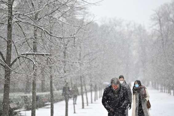 Madrid sous la neige, Pékin grelotte