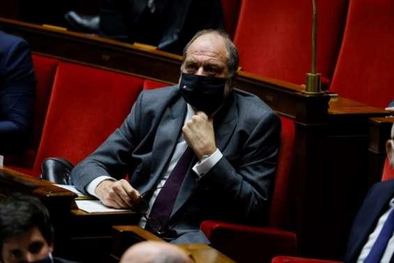 Conflits d'intérêts: Dupond-Moretti formellement visé par une enquête judiciaire