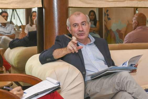 Avenir institutionnel de la Nouvelle-Calédonie: la société civile consultée