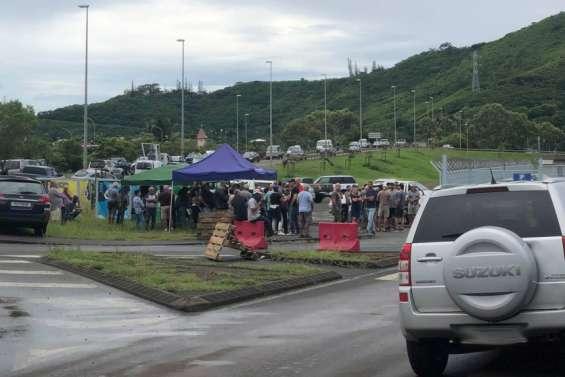 Des dépôts de carburants encore bloqués à Ducos, ce vendredi matin