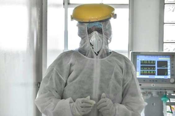 Virus : plus de deux millions de morts, l'OMS veut des vaccinations dans tous les pays
