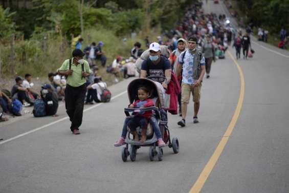 Les migrants honduriens progressent au Guatemala