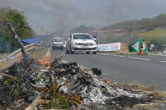 La route de Yaté bloquée en réaction à des interpellations