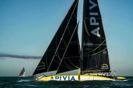 Vendée Globe: entre houle et grains, les skippers foncent vers les Sables