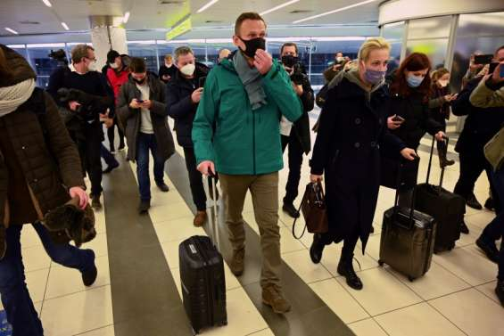 L'opposant Alexeï Navalny arrêté dès son retour