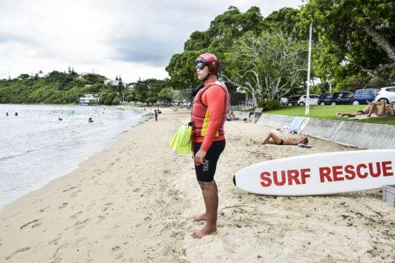 Piqûres, plaies et risque requin : les nageurs sauveteurs sur le front