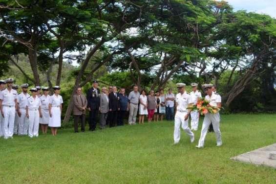 Une cérémonieen mémoire des disparus du crash du DC4
