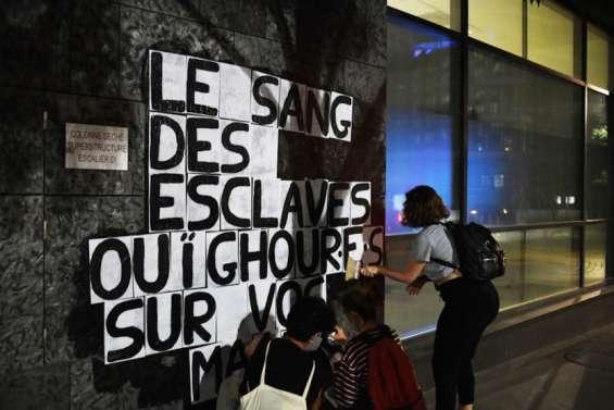 Travail forcé des Ouïghours: l'industrie textile peine à montrer patte blanche