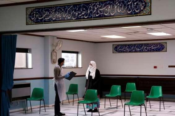 Covid-19: au Royaume-Uni, des musulmans mobilisés contre la désinformation anti-vaccin