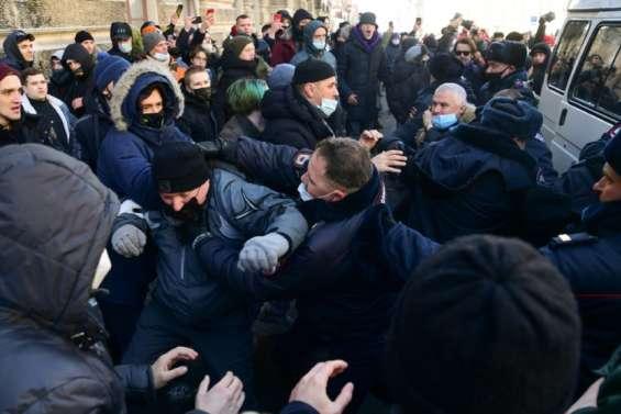 Russie: près de 200 personnes arrêtées lors des manifestations pour Navalny