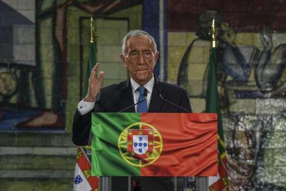 Les Portugais bravent leur confinement pour reconduire le président conservateur
