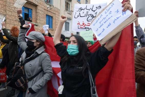 Manifestations contre la répression et couvre-feu prolongé