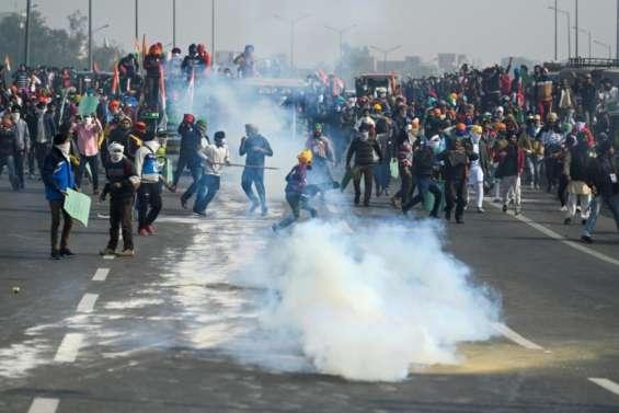 Inde: renforts paramilitaires à Delhi après des heurts entre agriculteurs et policiers