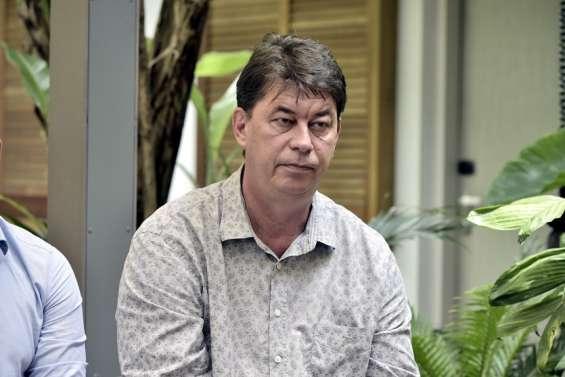 Refus d'export de la SLN: Thierry Santa dénonce un