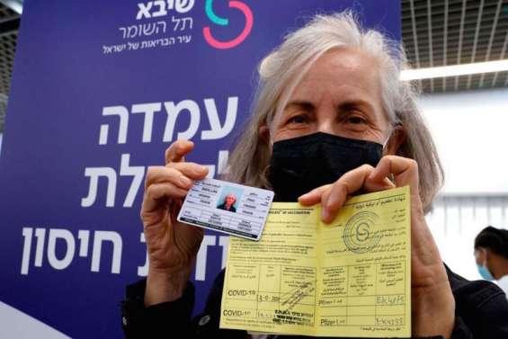 Le passeport vaccinal pour voyager, une idée qui fait son chemin