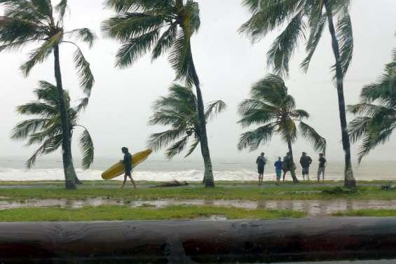 Le passage de la dépression tropicale Lucas à Nouméa en images