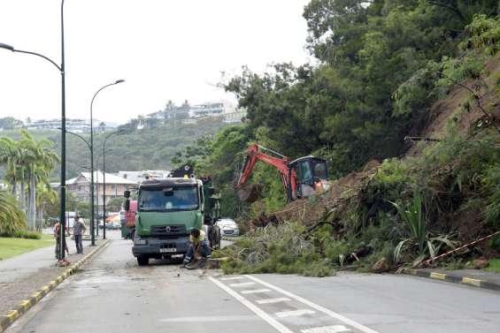 Glissement de terrain: lacirculation pourrait rouvrir ce soir à l'Orphelinat